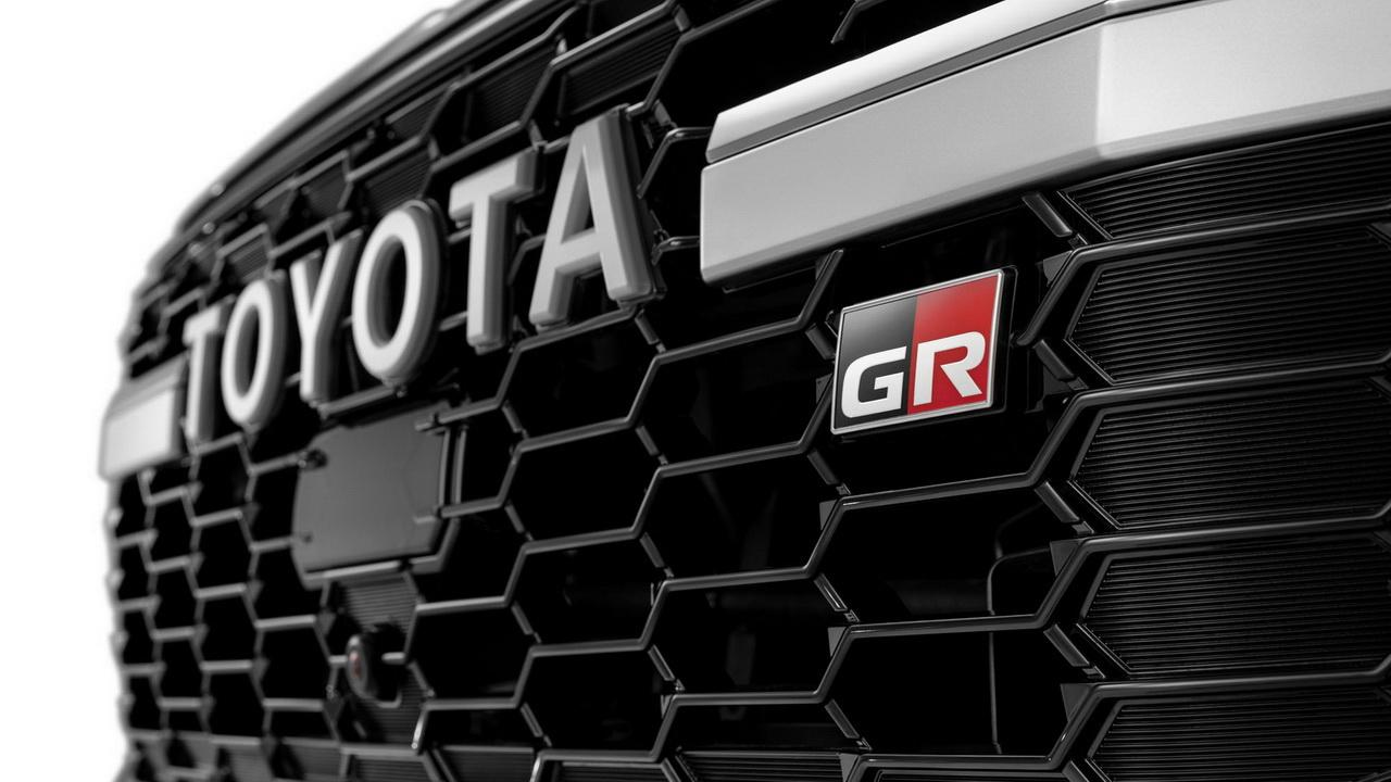 Решетка радиатора версии GR Sport