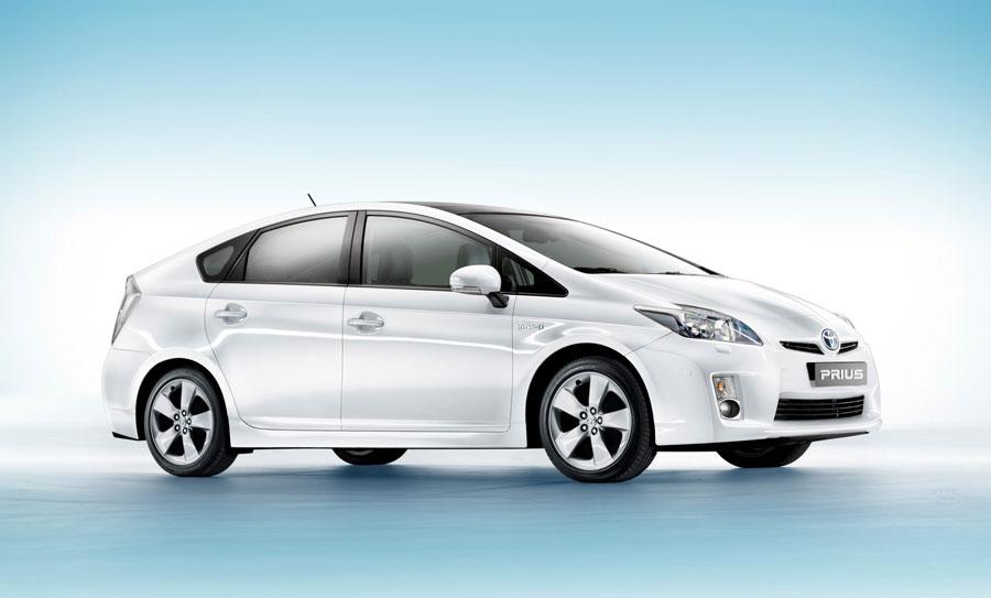 фото Toyota Prius Hybrid
