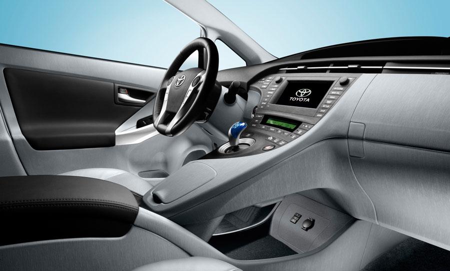 фото Toyota Prius Hybrid салон