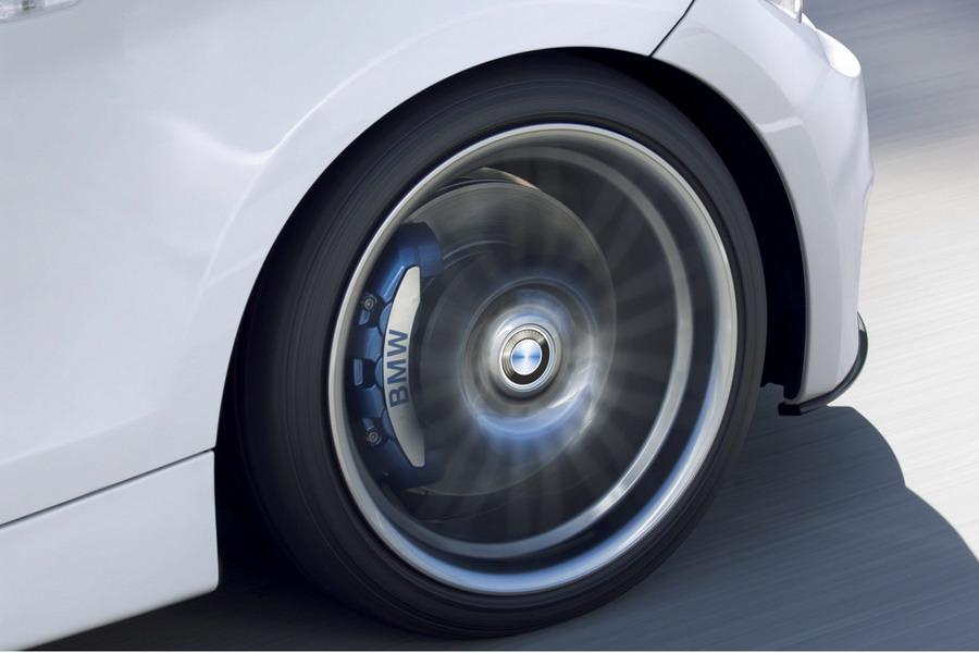 Тормозной суппорт, и диски на 17 дюймов позволят сократить тормозной путь