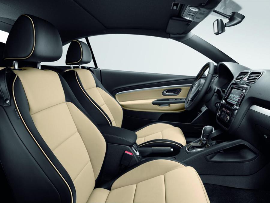 Светлый салон Volkswagen Eos Exclusive