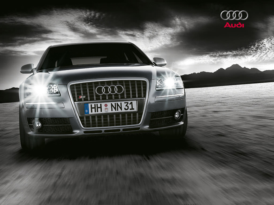 Audi S8 2012 вид спереди