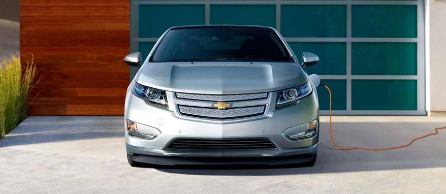 Chevrolet Volt вид спереди