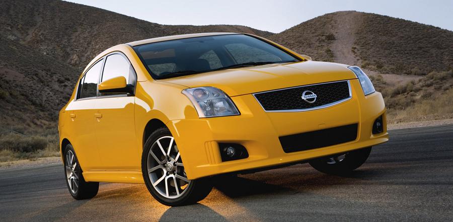 Nissan Sentra SE-R 2011 вид спереди