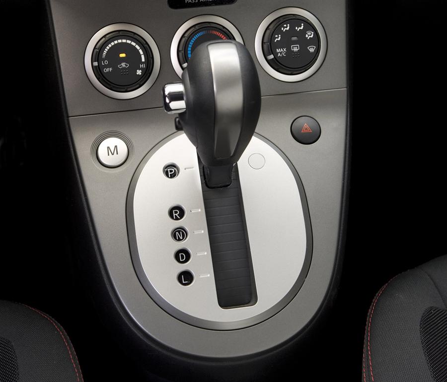 Nissan Sentra SE-R вариатор