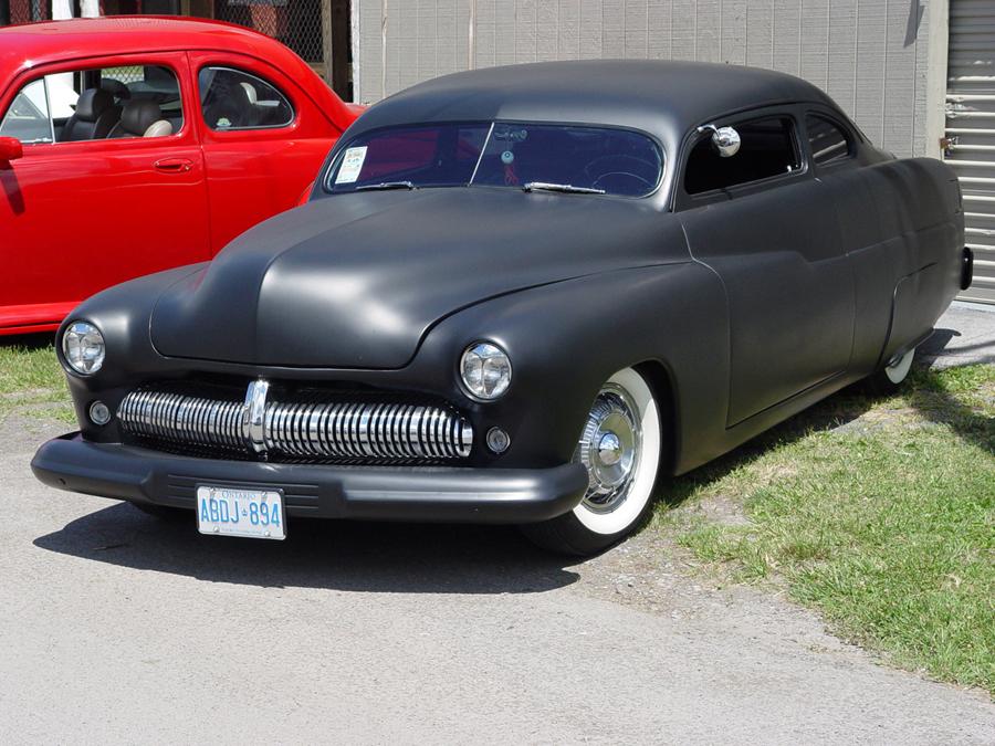 Mercury Primer 1951 в черном матовом виниле
