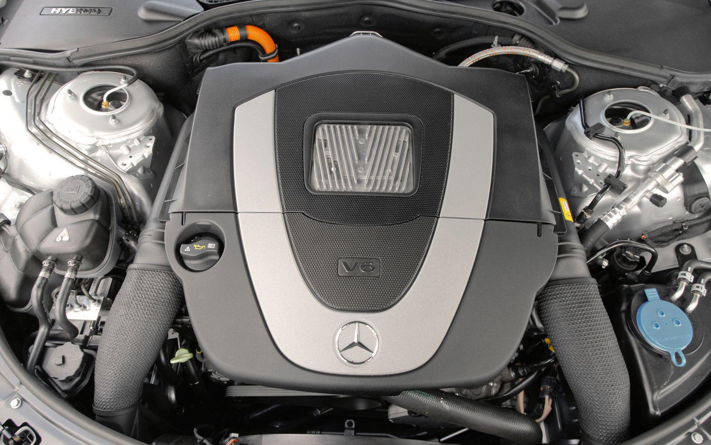 Mercedes E-300 гибридный двигатель