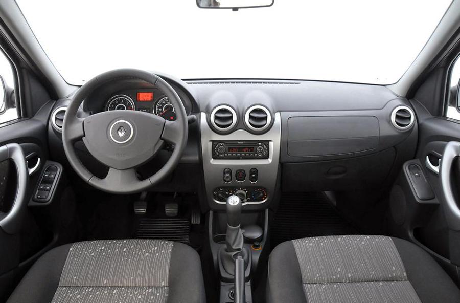 Renault Logan 2011 передние сиденья
