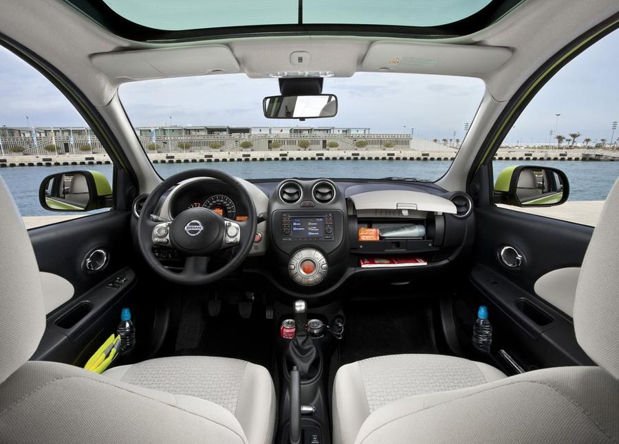 Nissan Micra 2011 кожаный салон