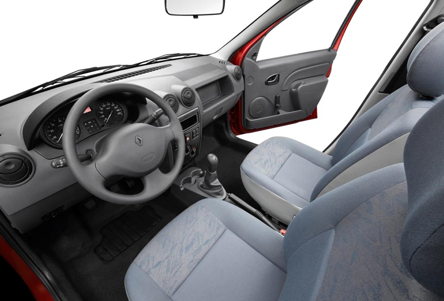 Салон универсала Renault Logan