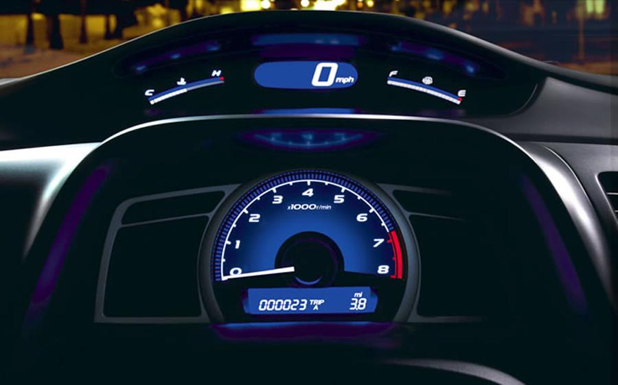 Honda Civic 2011 панель приборов
