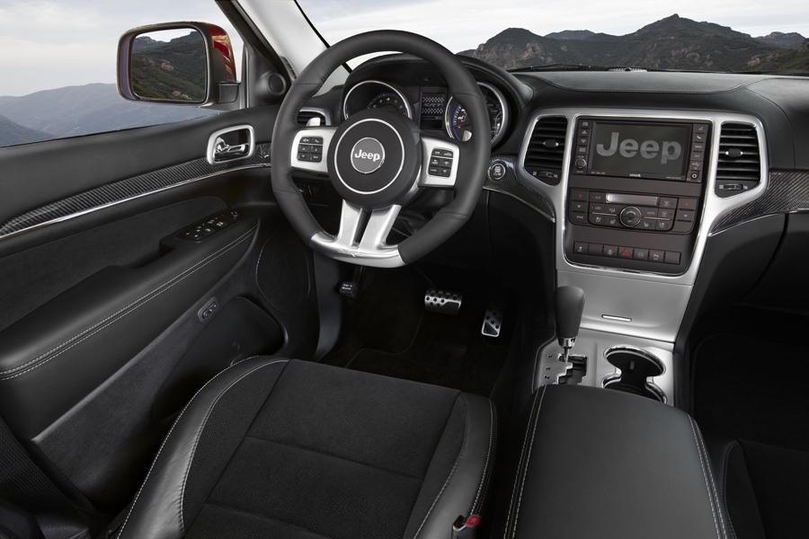 Jeep Grand Cherokee кресло водителя