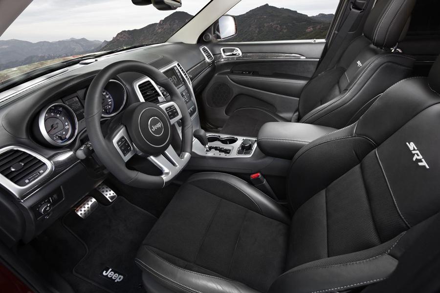 Jeep Grand Cherokee передние сиденья