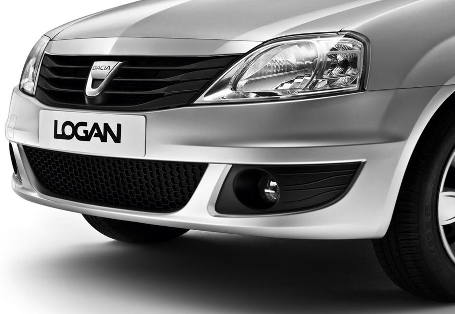 Renault Logan 2011 радиаторная решетка