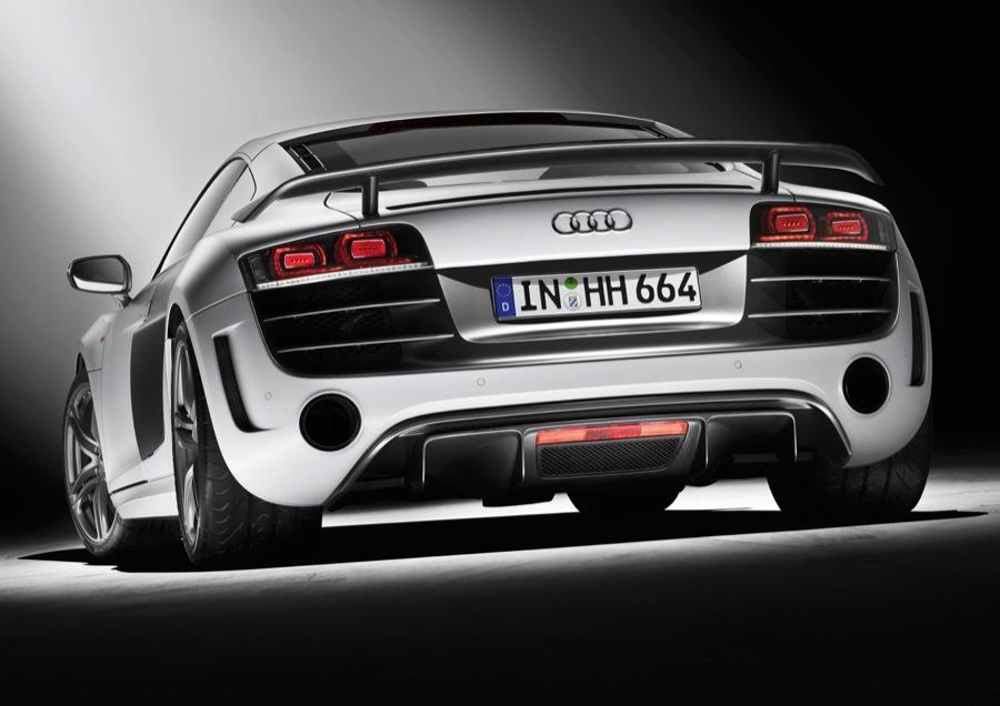 Зданий диффузор Audi R8 GT