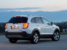 chevrolet-captiva-2014-back-view-3