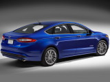 ford-mondeo-2014-back-view-16