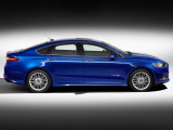ford-mondeo-2014-side-17