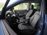 hyundai-ix35-2014-front-seats-38