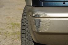 Типичные повреждения на бампере автомобиля