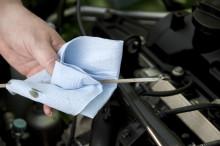 Регулярная проверка уровня масла - залог долговечности вашего двигателя