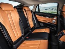 Задний ряд сидений нового БМВ Х6