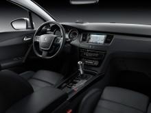 Фото салона нового Пежо 508 2015 модельного года
