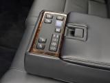 Блок управления для пассажиров задних сидений