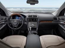 Интерьер Ford Explorer 2015-2016 фото