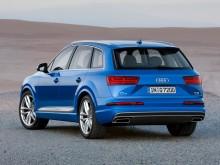 Корма Audi Q7 2015 модельного года