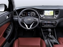 Обновленный интерьер Hyundai Tucson 2015-2016