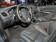 Интерьер Volvo S60 Cross Country 2015-2016 - фото