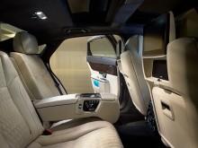 Роскошный задний диван Ягуар XJ - фото