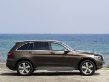 Mercedes-Benz GLC 2015-2016 - фото вида в профиль