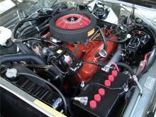 Двигатель Магнум под капотом Додж Чарджер 1969 года