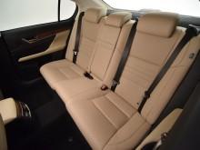 Вместительный и комфортный задний ряд сидений