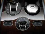 Элементы управления настройками шасси Bentley Bentayga