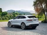 Экстерьер Jaguar F-Pace - вид сзади