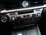 Кнопки управления аудио и климат-контролем