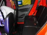 Скромный второй ряд сидений для двух пассажиров