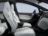 Передние кресла Tesla Model X