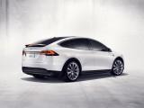Дизайн кормовой части Tesla Model X фото