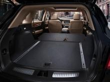 Багажный отсек Cadillac XT 5 со сложенными сиденьями