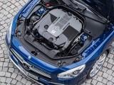 Силовой агрегат под капотом Mercedes-AMG SL 2016-2017 фото
