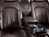 Второй ряд сидений Genesis G90 подлокотник
