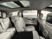 Второй и третий ряд сидений в новом Инфинити QX60 2016-2017 фото