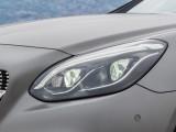 Передняя оптика родстера Mercedes SLC фото
