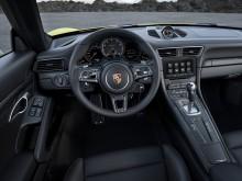 Порше 911 Турбо 2016 года - фото салона