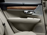 Отделка задних дверных панелей Volvo S90 фото