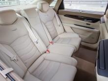 Просторный и комфортный задний ряд сидений Cadillac CT6 2016-2017 фото